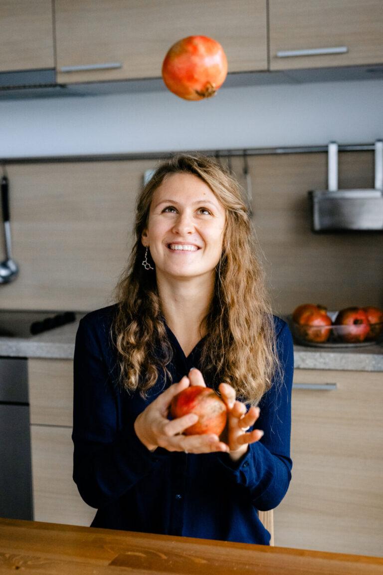 Юлия Сианто - bodydecoded - дипломированный нутрициолог - консультант по питанию и БАДам - лектор и блогер