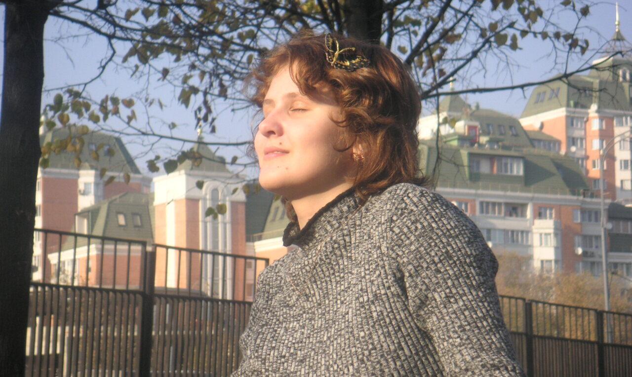 Bodydecoded - Юлия Сианто на фоне города
